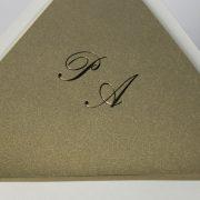 B1231 invitacion de boda detalle forro dorado